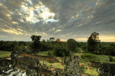 120102 Angkor 547_8_9_tonemapped_1.jpg